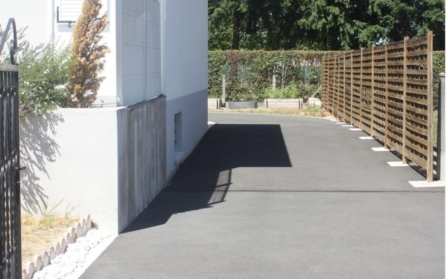 Am nagement all e de garage en enrob noir chaud orl ans - Allee de garage en enrobe ...