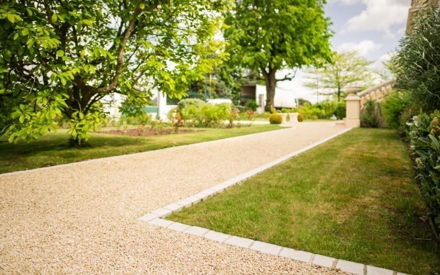 allee jardin amazing allee de jardin moderne amenagement jardin entree maison paysagiste webb. Black Bedroom Furniture Sets. Home Design Ideas