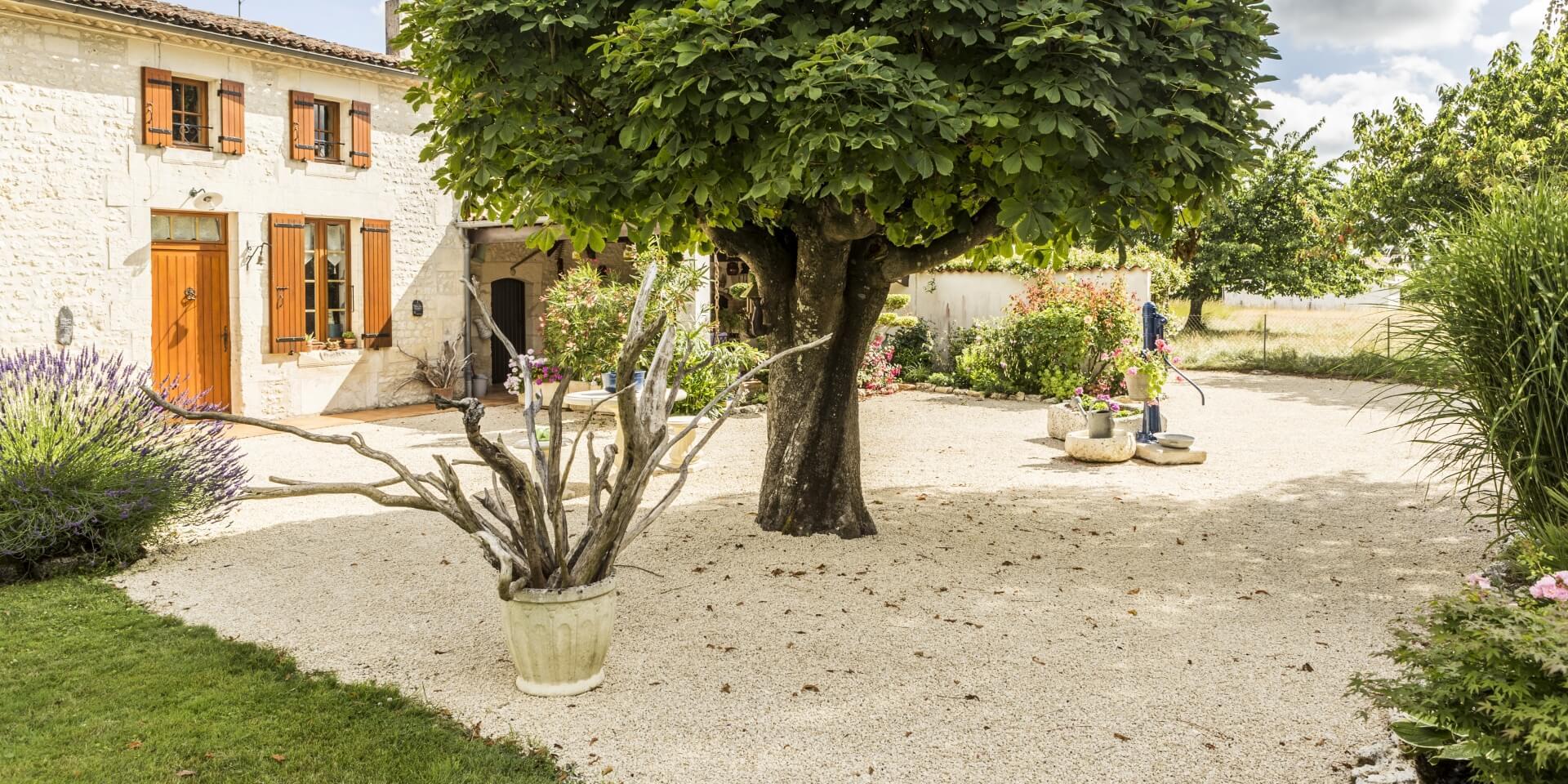 Amenagement Exterieur Terrasse Maison daniel moquet, aménagement cour, allée de jardin et terrasse