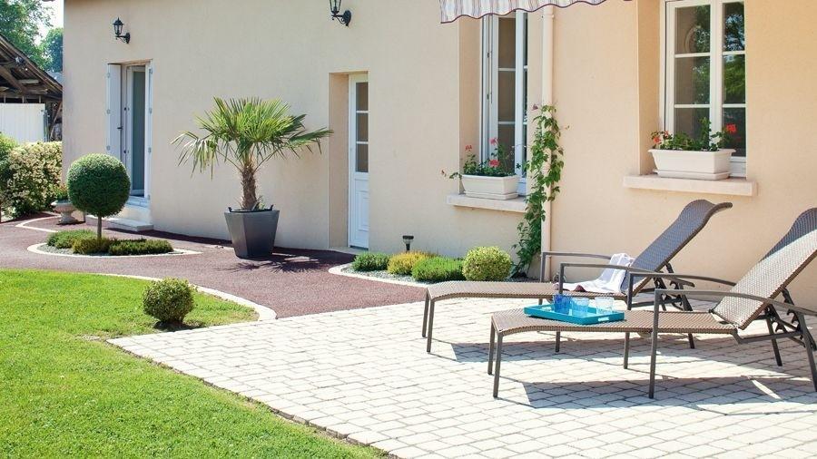 le seul pav tudi pour les all es de jardin pos par un professionnel. Black Bedroom Furniture Sets. Home Design Ideas