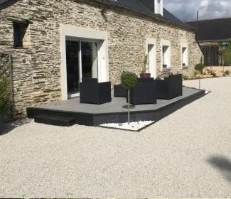 conception plage de piscine en dallage r alis par entreprise jouin pr s de angers. Black Bedroom Furniture Sets. Home Design Ideas