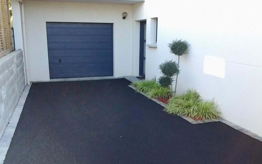 Conception all e de garage en enrob entreprise leclair for Amenagement allee de garage