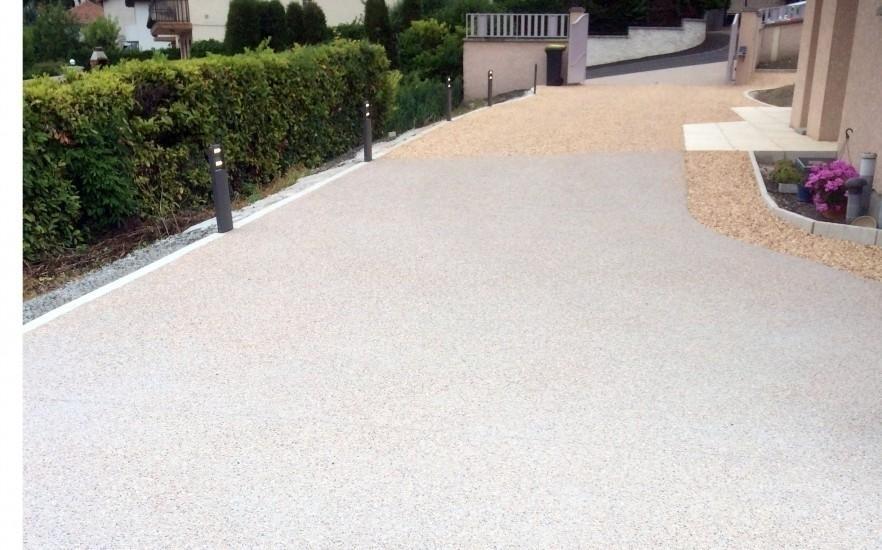 Exemple all e de garage en b ton d sactiv et alv ostar for Allee de garage en beton