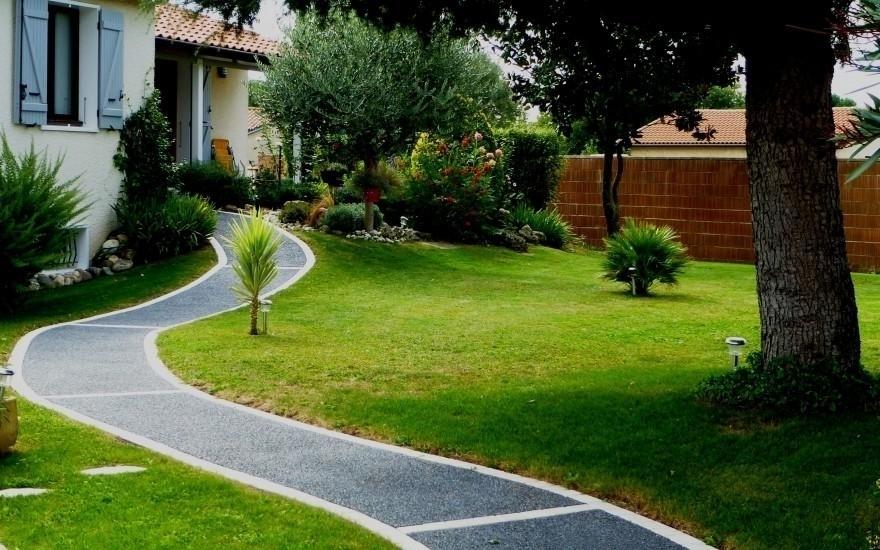 aménagement allée de jardin en béton désactivé - entreprise