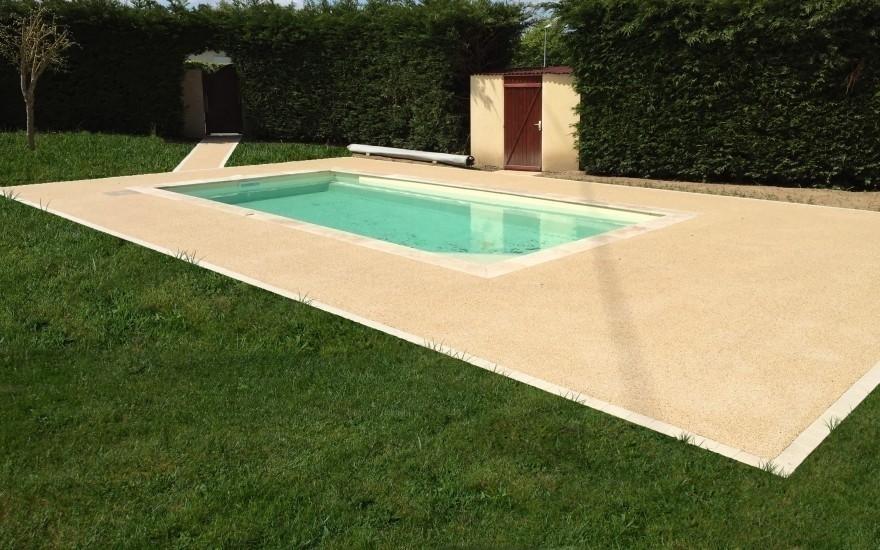 Plage de piscine en min ralstar entreprise binesse for Entreprise piscine