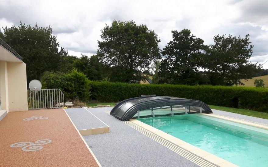 R alisation plage de piscine en hydrostar r alis par for Carhaix piscine