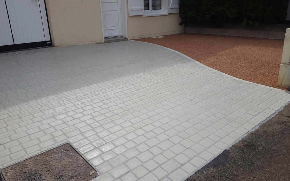 Entreprise Amenagement Exterieur Moselle réalisation terrasse en hydrostar® réalisé par huet à nancy