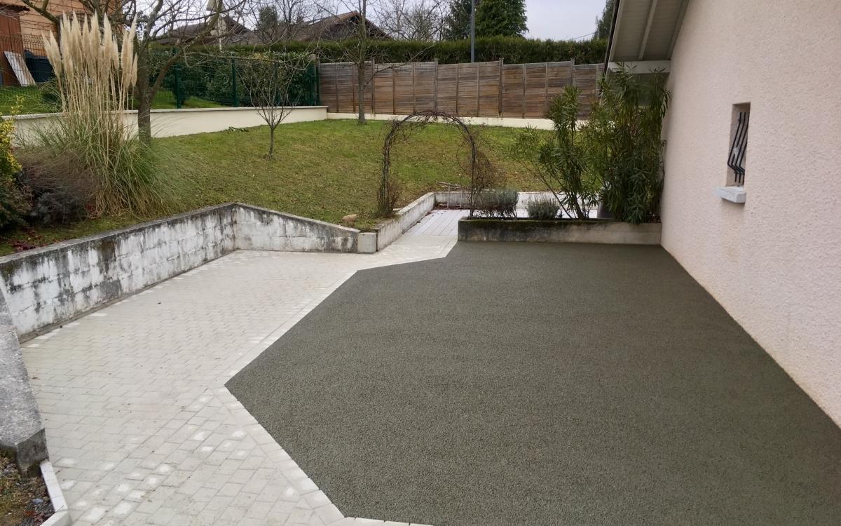 Exemple Terrasse En Beton Poreux Amenage Par Tardy Thivent A
